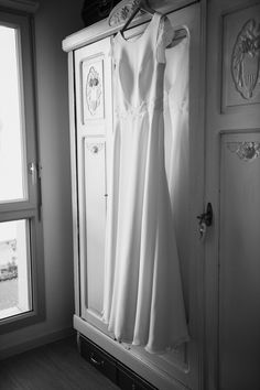 #photographie #photography #mariage #wedding #ville #city #lille #france #nord White Dress, France, City, Photography, Wedding, Dresses, Fashion, Weddings, Valentines Day Weddings
