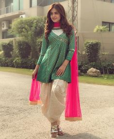 Z ambush Yes Pakistani Dresses Casual, Pakistani Dress Design, Indian Dresses, Stylish Dress Designs, Stylish Dresses, Casual Dresses, Casual Wear, Frock Fashion, Girl Fashion