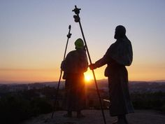 Let´s find out what is the Camino de Santiago, routes and how evolved to our days. Camino de Santiago was one of the most crowded in medieval Europe Pilgrimage, Sagittarius, Dusk, Tours, Aurora, Portugal, Goal, Sculptures, Sign