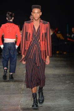 João Pimentaunveiled hisSpring/Summer 2017 collection during São Paulo Fashion Week.