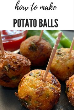 Easy and delicious crispy mashed potato balls recipe. Potato Appetizers, Healthy Appetizers, Appetizer Recipes, Snack Recipes, Vegan Recipes, Mashed Potato Balls Recipe, Paneer Masala Recipe, Dosa Recipe, Pakora Recipes