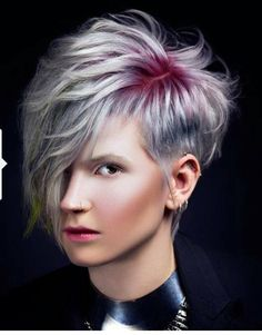 Haircut, haircut and color, assymetrical pixie cut, short hair styles, shor Funky Hairstyles, Pretty Hairstyles, Hairstyle Ideas, Short Hair Cuts, Short Hair Styles, Creative Haircuts, Corte Y Color, Sassy Hair, Haircut And Color