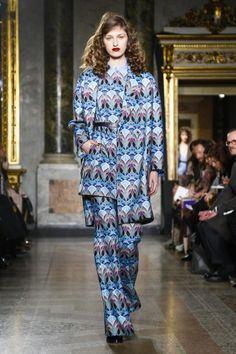 Blugirl Ready To Wear Fall Winter 2015 Milan