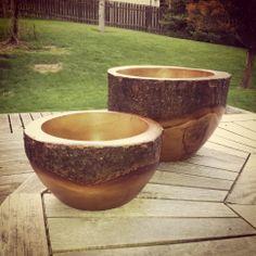 Il Mulino Acacia and Mango wood bowls.