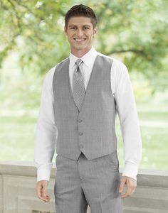 Having a destination or more casual #wedding? With a bit more flexibility for formal wear, consider going jacketless!