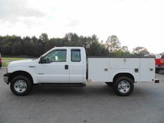 2006 Ford F-350 Super Duty XL Extended Cab 4x4 with 9' Reading Utility Body 6.0L Powerstroke Diesel