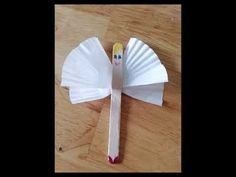 How to make a Fairy with a lolly pop stick and cupcake cases. Lolly Pop, Pop Stick, Cupcake Cases, Rock Design, Rock Crafts, Craft Work, Toddler Crafts, Toddlers, Fairy