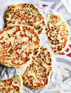Mexican food recipes 310818811785668282 - Great for dipping and scooping, these clever flatbreads don't require yeast or even an oven – you cook them in a hot frying pan on the hob. Great with Indian, Middle Eastern and Mexican food Source by Veggie Recipes, Mexican Food Recipes, Vegetarian Recipes, Cooking Recipes, Bbc Good Food Recipes, Savoury Recipes, Pizza Recipes, Sainsburys Recipes, Crockpot