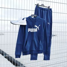 For a look that takes you anywhere in comfort and style, the Puma EvoStripe collection.