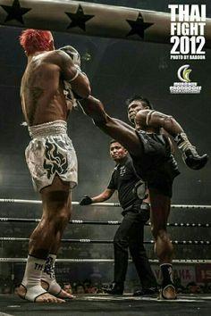 These days you will hear a lot about Krav Maga. Go to any country in the world and you will see Krav Maga being taught by someone. Mma Fighting, Fighting Poses, Muay Thai Martial Arts, Mixed Martial Arts, Kick Boxing, Krav Maga, Jiu Jitsu, Taekwondo, K1 Kickboxing