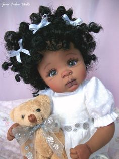 OOAK baby by Joni Inlow. Joni has lots of really precious dolls. This is a link to her Pinterest site: http://www.pinterest.com/joniinlow/ooak-baby-by-joni-inlow/
