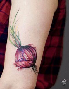 Magdalena Bujak onion tattoo