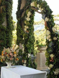 Wedding arch for Villa Balbianello wedding in Lake Como - DISTINCTIVE ITALY WEDDINGs