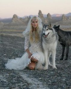 Pictures & Photos of Isabel Lucas - IMDb Aelin She Wolf, Wolf Girl, Wolf Spirit, Spirit Animal, Of Wolf And Man, Isabel Lucas, Wolves And Women, Mode Costume, Wolf Love