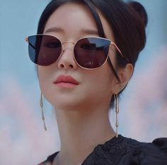 Korean Actresses, Korean Actors, Actors & Actresses, Seo Ji Hye, Jimmy Choo Sunglasses, Instyle Magazine, Cosmopolitan Magazine, Kpop Fashion Outfits, Kdrama Actors