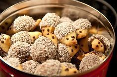 Fast Christmas cookies: hedgehog biscuits - baking makes mom & kids happy . - Fast Christmas cookies: hedgehog biscuits – baking makes mom & kids happy bake # - Cookie Recipes, Snack Recipes, Food Humor, Cookies Et Biscuits, Baking Biscuits, Christmas Baking, Christmas Cookies, Kids Meals, Sweet Recipes