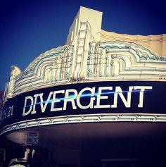 #DivergentPremiere red carpet live stream