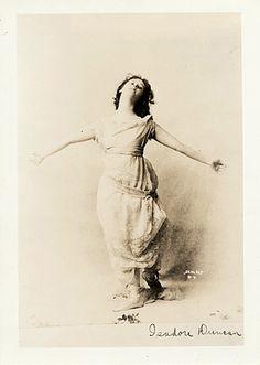 Isadora Duncan, 1904 (Schloss Studios, NY)