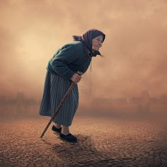 Searching for the best light (by Caras Ionut) [old woman]