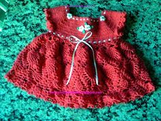 I was in love with this crochet dress! The free graphic explains all right. Free crochet will b. Cute Red Dresses, Girls Dresses, Summer Dresses, Love Crochet, Crochet Baby, Crochet Designs, Crochet Patterns, Bebe Baby, Crochet Stitches