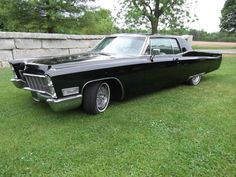 1968 Cadillac Coupe DeVille 1/2