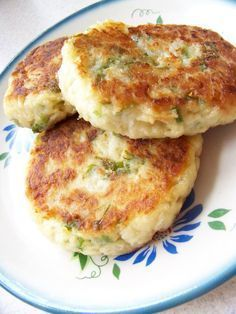 Cutlets with cauliflower Ingredients chops): . Healthy Cooking, Cooking Recipes, Healthy Recipes, Good Food, Yummy Food, Low Carb Side Dishes, Quiche, My Favorite Food, Vegetable Recipes