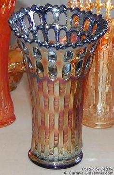 Blackberry Open Edge Fenton Carnival Glass Fenton Glassware, Antique Glassware, Cut Glass, Glass Art, Blue Carnival Glass, Glass Company, Glass Collection, Milk Glass, Colored Glass