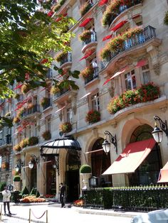 The Hotel Plaza Athénée is a historic luxury hotel in Paris, France VIII, located at 25 Avenue Montaigne, near the Champs-Élysées and the Eiffel Tower. Mykonos, Santorini, Paris Hotels, Hotel Paris, Paris Travel, France Travel, Beautiful Hotels, Beautiful Places, Paris France