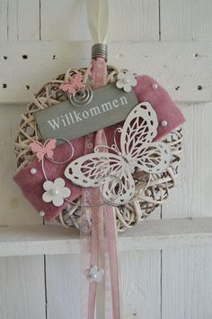 Hello everybody! This wreath can be used as a wall or door wreath. Holiday Wreaths, Holiday Decor, Valentines Day For Him, Decorative Tape, Idee Diy, Arte Floral, Home And Deco, Crafty Projects, Door Wreaths