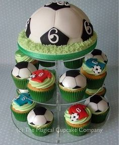 Pastel balón Soccer Birthday Cakes, Football Cupcakes, Soccer Cake, Football Birthday, Soccer Party, Kids Football, Soccer Theme, Fondant Cupcakes, Fun Cupcakes