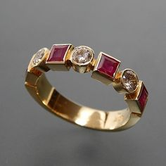 18kt Yellow Gold Princess Cut Ruby And 0.45 Ctw Diamonds Band Ring - S – Gold Stream Boutique