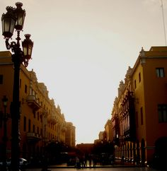 Lima Colonial, down town Lima Peru, Get Outside, The Places Youll Go, Colonial, Beautiful Places, Street View, Passport, Landscapes, Bucket