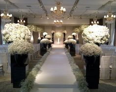 Jeff Leatham inspires us again with a Coco Chanel themed wedding in Korea