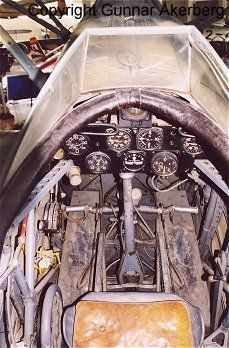 Italian Air Force, Aircraft Interiors, Military History, Vintage Photographs, Fiat, Wwii, Gauges, 1930s, Aviation