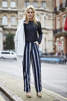 This week our Personal Shopper Sophie has a crush on the strippy trousers and gold heels. Find more Personal Shopper style on @topshop_ps #topshop #topshopstyle #personalshopper #personalshopping #ootd #lookoftheday