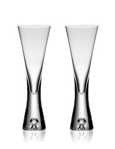 These shapely glasses is designed for a stylish, elegant look as well as practical use, for beautiful kitchen basics.