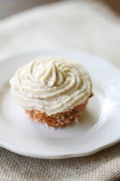// raw carrot cupcakes with cashew buttercream
