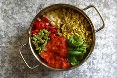 a tésztaételek szintet léptek: egytáltészta, a villámgyors ebéd #thepuur #onepotpasta #egytáltészta #ebéd #inzulinrezisztancia #gluténmentes #vegán Pot Pasta, Chana Masala, Main Dishes, Salsa, Vegetarian Recipes, Mexican, Health, Ethnic Recipes, Food