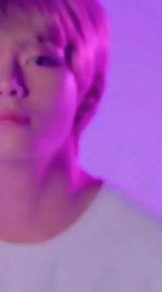 Kim Taehyung Funny, Jungkook Abs, Kookie Bts, V Taehyung, Taehyung Photoshoot, Bts Korea, V Video, Bts Qoutes, Bts Dancing