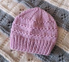 premie baby hats Ravelry: Roman Stitch Baby Hat pattern by marianna mel Baby Hat Knitting Patterns Free, Hat Patterns To Sew, Baby Hats Knitting, Free Pattern, Knitted Baby Beanies, Crochet Baby Beanie, Knitted Hats, Newborn Knit Hat, Newborn Hats