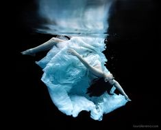 Trash the Dress II - Some more bridal fun underwater!
