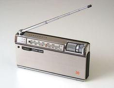 Tvs, Le Radio, Portable Record Player, Retro Radios, Transistor Radio, Record Players, Vintage Tv, Electronic Devices, Boombox
