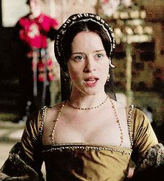 a queen of england will be burnt Tudor Fashion, Renaissance Fashion, Queen Anne, King Queen, Anne Boleyn Tudors, Wolf Hall, Wives Of Henry Viii, Mary Stuart, Elizabeth I