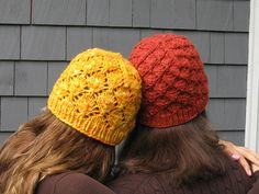 Knit Foliage Hat Free Knitting Patterns These hats shall be additionally helpful in spring, so you need to use these hats very long time at these season. Knit some hats for your loved ones i. Crochet Beanie, Knit Or Crochet, Lace Knitting, Crochet Crafts, Crochet Projects, Free Crochet, Knitted Hats, Knitting Patterns, Crochet Patterns
