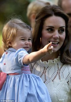 dailymail:  Canada Tour, Day 6, Children's Party, Government House, Victoria, British Columbia, September 29, 2016-Duchess of Cambridge and Princess Charlotte