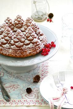 Christmas Bundt Cake isnt that the perfect Christmas Tree Cake, Christmas Tea, Christmas Desserts, Christmas Baking, Christmas Jesus, Christmas Kitchen, Merry Christmas, Christmas Decorations, Bunt Cakes
