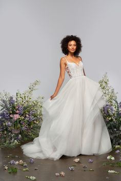 Check out my favorite designs from Hayley Paige's new signature collection for Spring 2021! #wedding #weddings #weddingdress #weddinggown