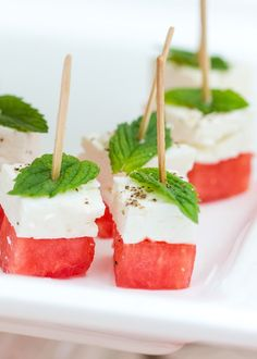 Watermelon Feta Skewers The perfect summer appetizer, these watermelon feta skewers are delicious for your parties all summer long! You will love this healthy appetizer! - Everything About Appetizers Skewer Appetizers, Cold Appetizers, Finger Food Appetizers, Appetizers For Party, Delicious Appetizers, Easy Summer Appetizers, Italian Appetizers, Appetizer Ideas, Fingerfood Party Ideas