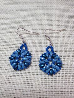 Super duos in shades of blue.  Very pretty.
