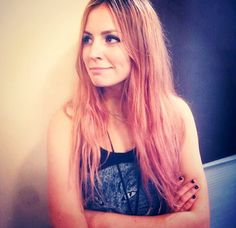 Gemma has peach hair and looks fabbb